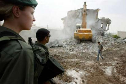 https://i0.wp.com/bloggy.com/mt/archives/nazlat-eisa-house-demolition.jpg?w=600&ssl=1