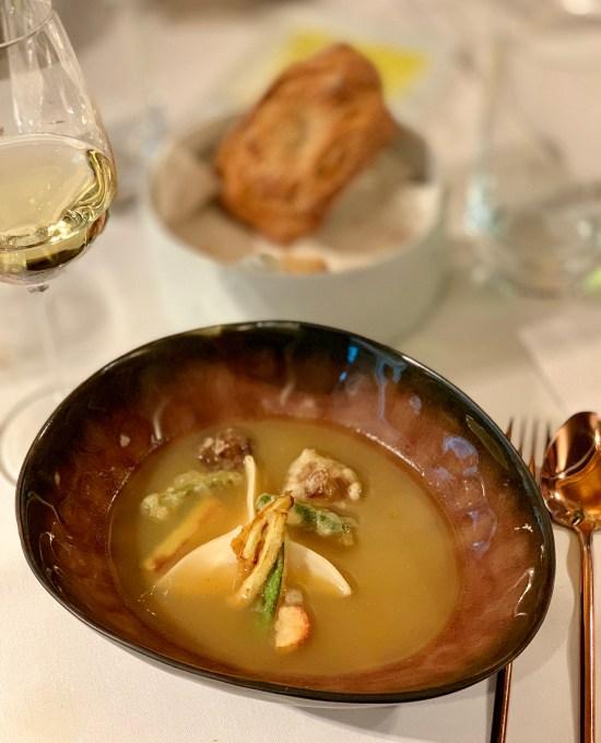 Wonton con langostinos y vegetales en tempura
