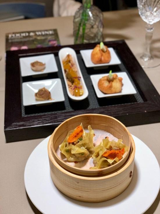 Kimchi de calçots, cebolla de Figueras, shumai de butifarra y shao long bao de ceps