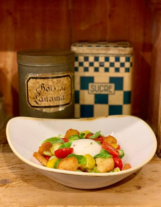 Panzanella de tomate y burrata