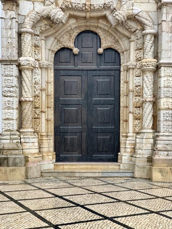 Puerta de entrada a la iglesia de San Julián de Setúbal