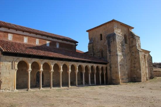 Iglesia-Monasterio de San Miguel de Escalada. Ruta Monasterios en León.