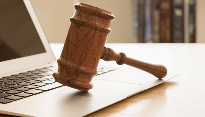 7 Laws Every Blogger Must Know to Avoid Lawsuits