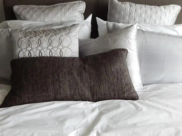 Ideas para decorar con cojines 2019 camas sofs y sillas