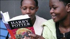 Nueva Donación de Libros de 'Harry Potter' a Niños de Escasos Recursos de Kyrgyzstan