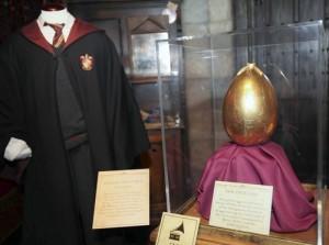 Uniforme de Gryffindor y Huevo de Oro