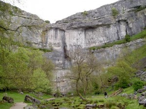 Malham-Cove---the-famous-la