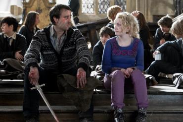 Matthew Lewis y Evanna Lynch Discuten la Relación Amorosa entre Luna y Neville