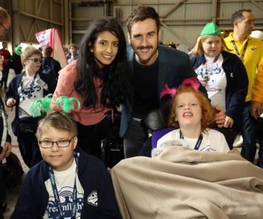 Matthew Lewis les da una despedida mágica a los niños de Dreamflight