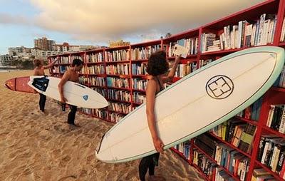 Vá para a praia... ler!
