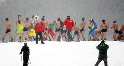 Esquiando com roupas de banho