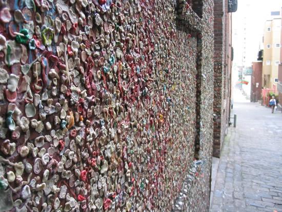Bubblegum Alley, o beco dos chicletes mascados