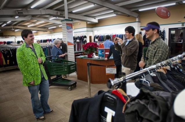 Loja que vende produtos de bagagens não reclamadas