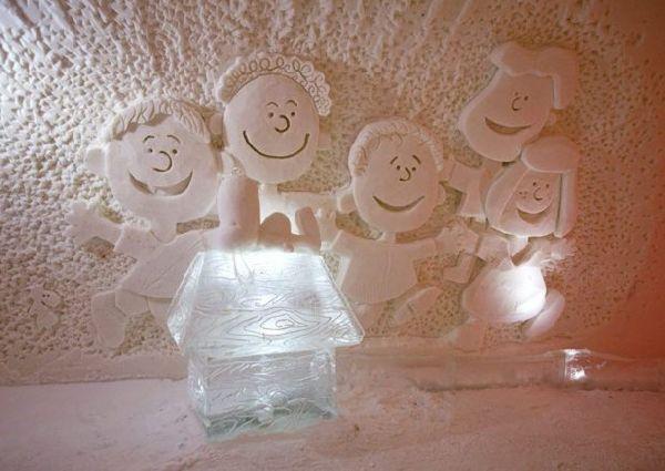 Um curioso castelo temático de gelo na Finlândia
