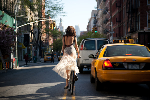 Uma bela série fotográfica: Downtown From Behind