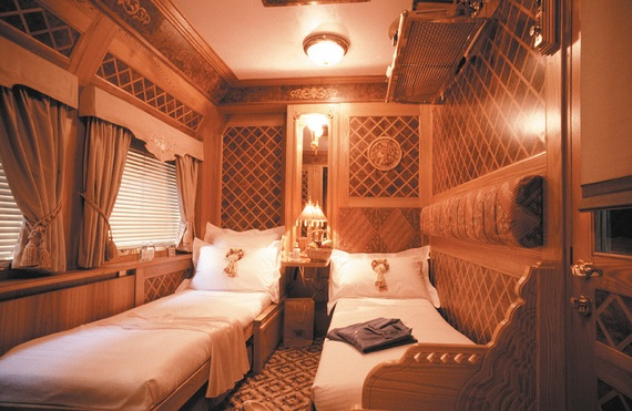 Viajando de trem com muita pompa e luxuosidade