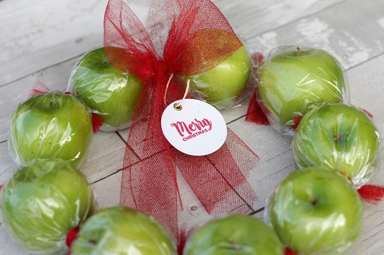 applewreath1-cut
