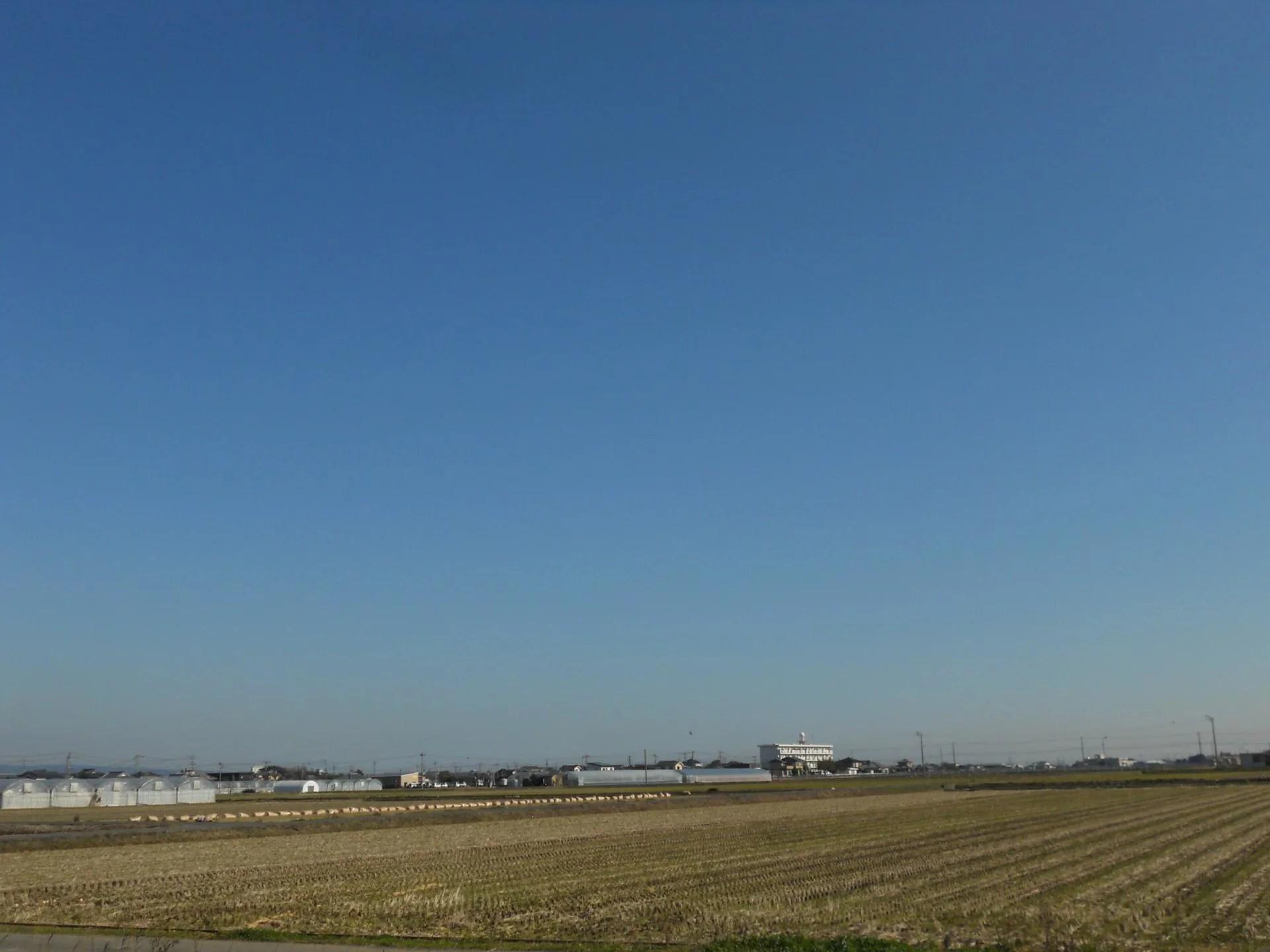 冬の青い空・・・・・無限に広がる青の世界 - 夢から慈しみの世界へ