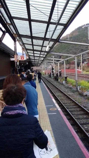 京都トロッコ列車 予約な取れなくても諦めず 立席があります、 - 定年退職者の呟き