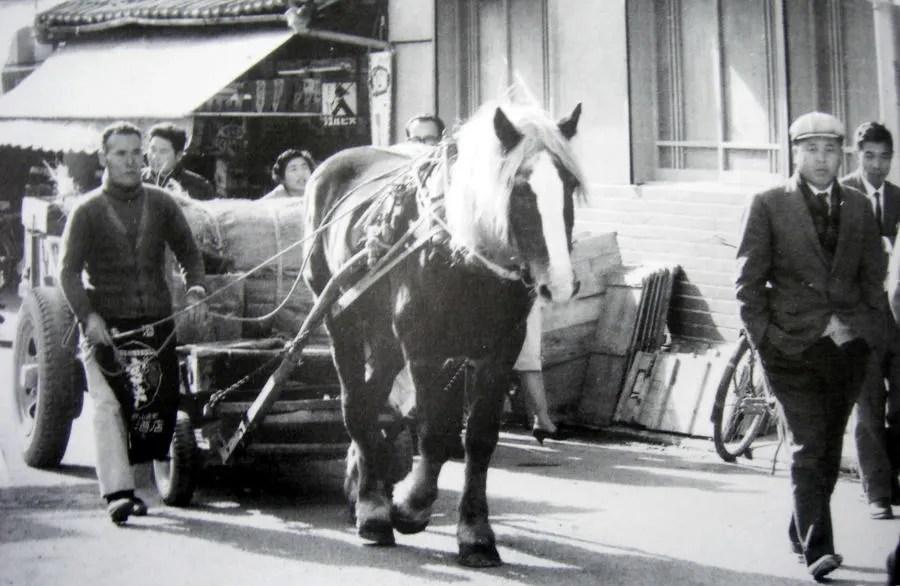 昭和の街角「馬力とボンネットバス」 - 郷土の歴史と古城巡り