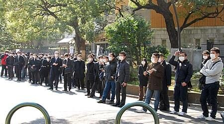 何故に公安警察の者は全員マスクをしてるのか - のんきに介護