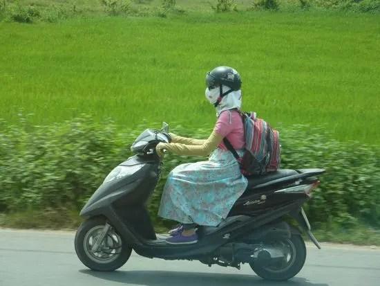 「ベトナム バイク 女性」の画像検索結果
