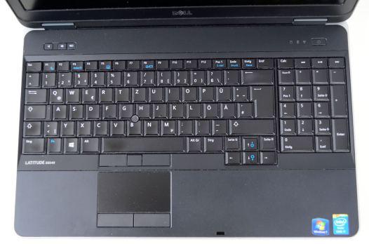tastatura full size si touchpad