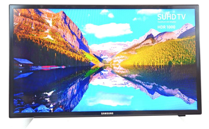 Vedere generala monitor profesional Samsung LH32MEB #3