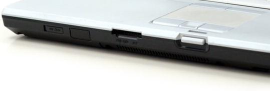 Fujitsu LifeBook E8420 - cititor carduri SD si port infrarosu