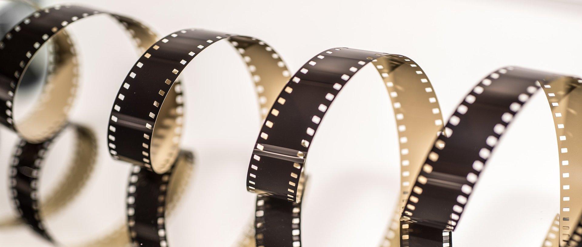 Taśma filmowa w formie spirali