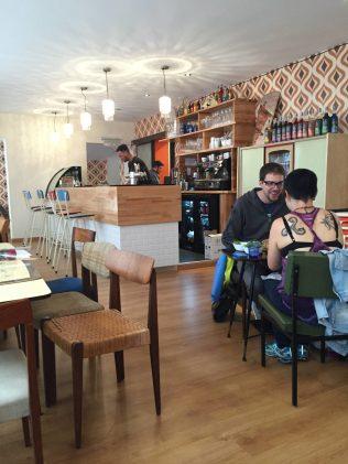 En voiture Simone Strasbourg restaurant bar rue des Pucelles