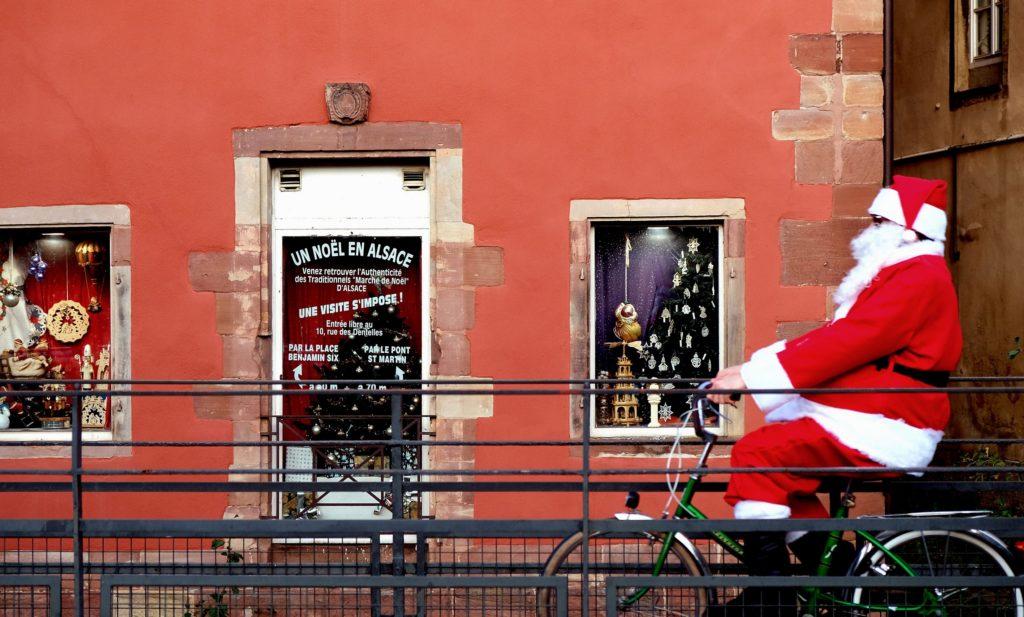 Marché de Noël Strasbourg visite Père Noel guide Place Kleber touriste