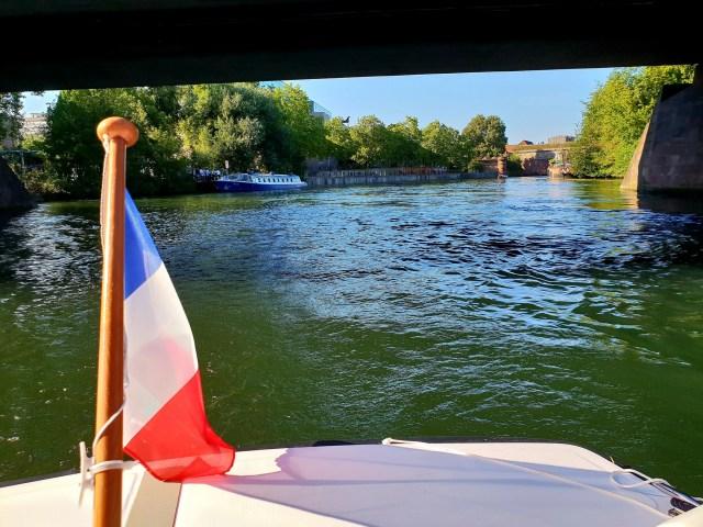 Strasbourg Alsace bateau marin d'eau douce électrique Ill Petite France
