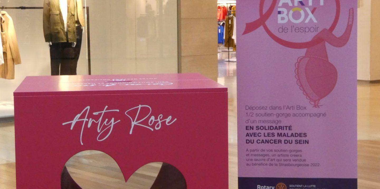 Arty box octobre rose La Strasbourgeoise Strasbourg soutien gorge solidarité
