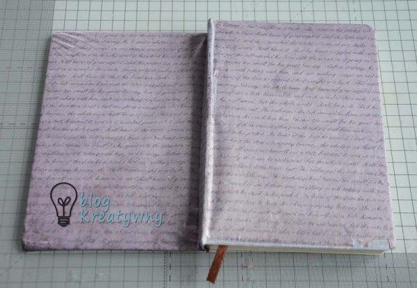 Do ozdobienia całego notesu wykorzystałam specjalny cienki papier do decoupage z moim ulubionym motywem pisma. Aby jednak udało mi się przygotować ten projekt, wykorzystałam do tego celu również odpowiedni preparat. W tym przypadku jest to lakier do decoupage i klej w jednym firmy Pentart. Jestem pewna, że ten pomysłownik posłuży mi na długi czas, a jego przygotowanie było ogromną przyjemnością.
