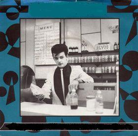 Kirsty MacColl - There's a Guy Works Down the Chip Shop Swears He's Elvis (1981)