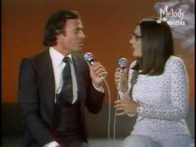 Julio Iglesias & Nana Mouskouri – La Paloma