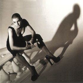 Sinéad O'Connor - Am I not your girl? (1992)