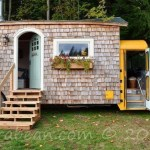 Iskolabuszból lenyűgöző otthont készített. Ha megnézed a belsejét, azonnal beleköltöznél.