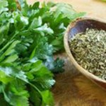 Amit az orvosok titkolnak: ez a filléres zöld növény jobb minden patikai szernél