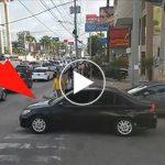 Egy szemtelen sofőr a gyalogátkelőn állt meg, de a gyalogosoktól olyan leckét kapott, amire nem számított!