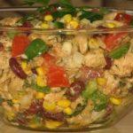 Fenséges saláta gazdagon, majonéz nélkül! Ha szereted a sült csirkét, ezért rajongani fogsz!