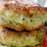 Ha van otthon 2 cukkini, egy kis sajt és fokhagyma, káprázatos cukkini pogácsát készíthetsz belőle!