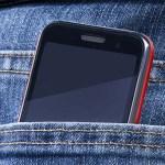 Itt olvashatod, hogy miért nem kellene a mobiltelefonod a zsebedben hordani?