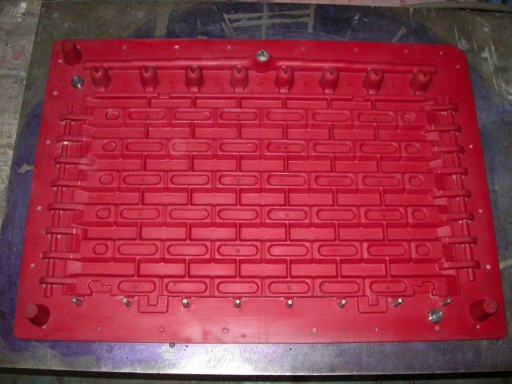 01-pattern-materials-split-patterns-machined-plastic-pattern.jpg