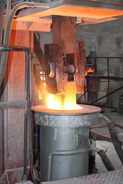 01-cupola-furnace-foundry-furnace-casting-furnace-iron-melting-furnace.