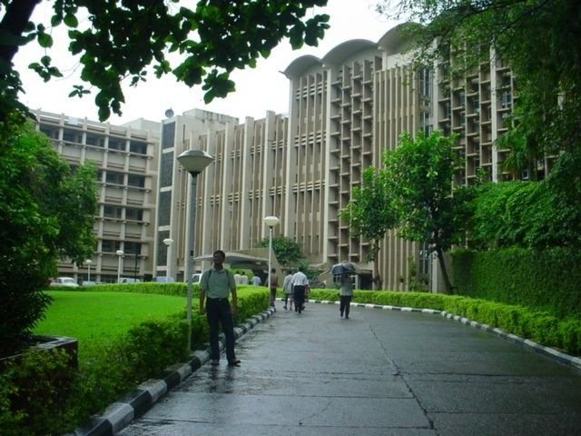 01-Iit-Bombay-Mumbai-India-Top Engg College- Mechanical Course - Top 10 / Top 20 / Top 30 / Best Mechanical Engineering Courses / Offered Institutes / Research Centers / In INDIA