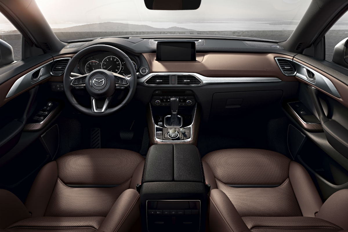hight resolution of driver s cockpit of the 2019 mazda cx 9