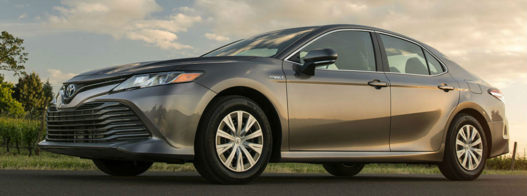 all new camry hybrid ukuran ban grand avanza veloz what are the 2018 toyota power and fuel economy ratings ground up view of gray front side exterior
