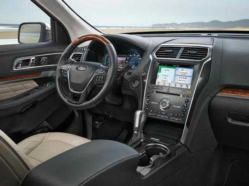 small resolution of  driver dash and infotainment system in a 2019 ford explorer